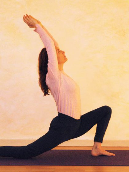 Yogaübung Halbmond