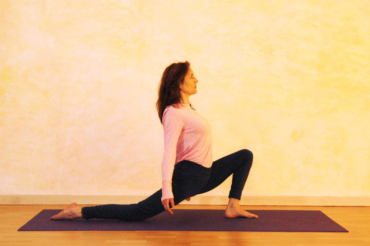 Yogaübung Halbmond Vorbereitung