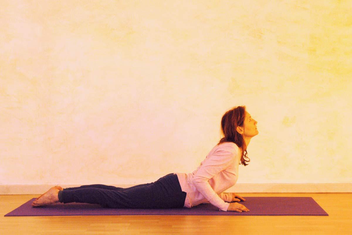 Yogaübung Kobra, zweite Phase