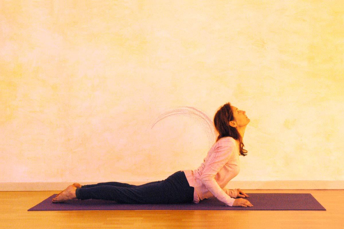 Yogaübung Kobra, dritte Phase