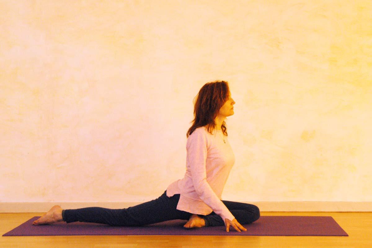 Yogaübung Taube Ausgangsposition