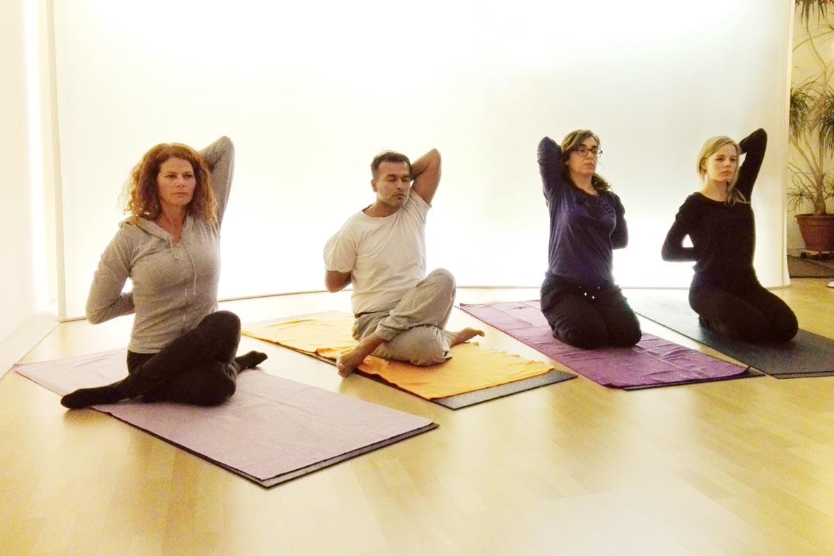 gomukhasana, yogaübung