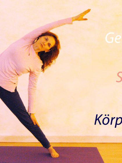 Yogaübung Dreieck und die Dreiheit Geist, Seele, Körper
